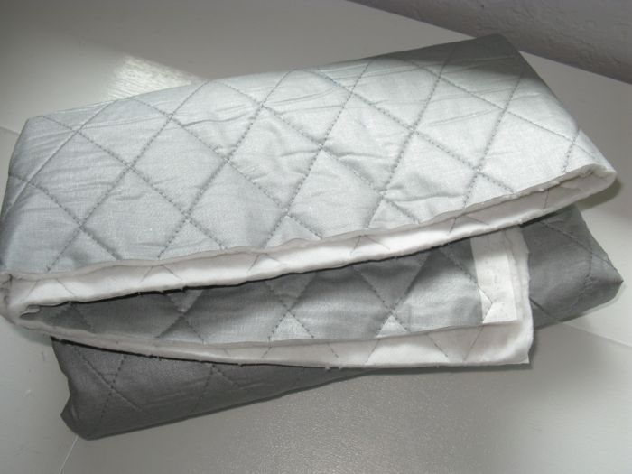 Hot Mitts | OccasionalPiece--Quilt! : quilted insulated fabric - Adamdwight.com