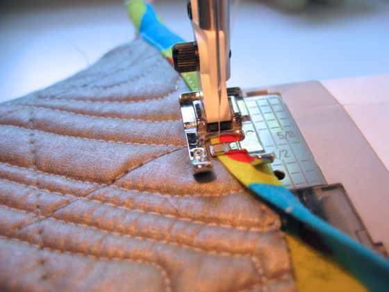 Stitching Bias Tape Hot Mitts