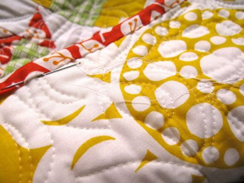Sewing on Binding_Citrus quilt