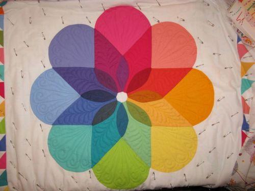 Colorwheel Quilt_petals3