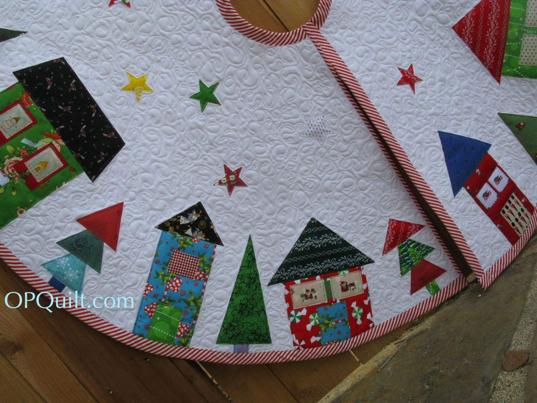 Quilted Christmas Tree Skirt Pinterest : Christmas Tree Skirt OccasionalPiece--Quilt!