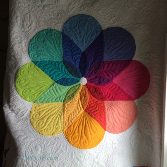 Colorwheel Blossom_inner quilting