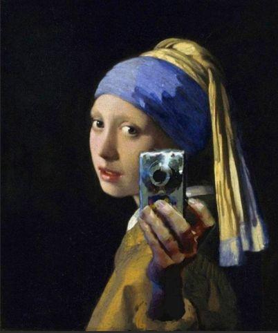 Girl w Pearl Earring Selfie