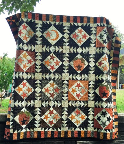 HalloweeenQuilt 1008dollars