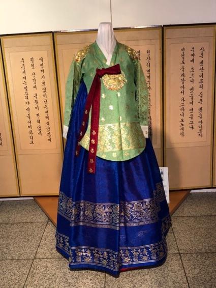 Seoul QM_hanbok2