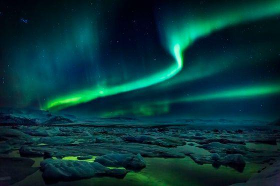 Northern Lights green bands