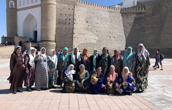 Women and Ikat_2017